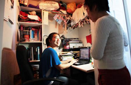LuShuang Xu, một học sinh người Trung Quốc, được Harvard nhận học sau khi nhờ trợ giúp của một công ty tư vấn. Ảnh: NYT.
