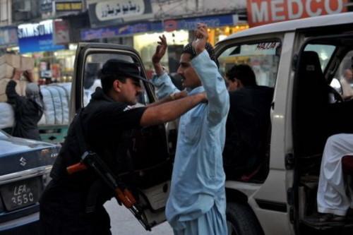 Hơn 70 tay súng tấn công một trạm kiểm soát Pakistan