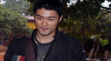 Johnny Trí Nguyễn: 'Vẫn làm đủ trách nhiệm với con'