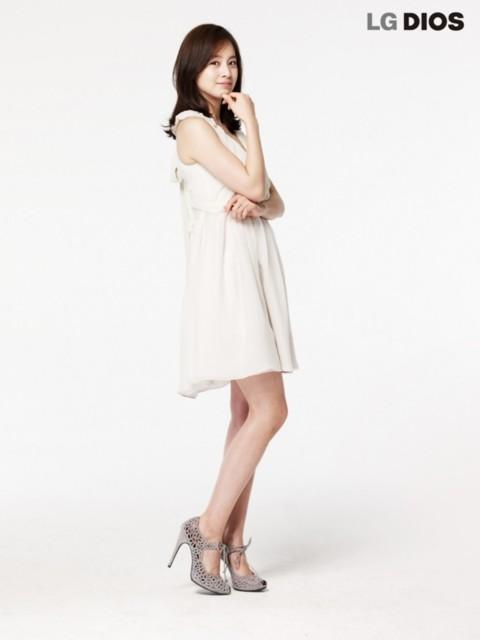 Kim Tae Hee được đáng giá là một trong những nữ diễn viên có khuôn mặt mộc xinh đẹp nhất xứ Hàn.
