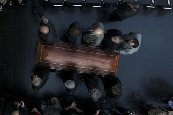 Lễ truy điệu của nhà văn nổi tiếng Gonzalo Rojas được tổ chức bên ngoài Bảo tàng nghệ thuật của Chile vào ngày 27/4 vừa qu