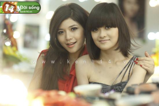 """Lala và Phan Linh """"Bộ tứ 10A8"""" bất ngờ xuất hiện cùng nhau"""