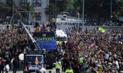 Lễ rước Cup hoành tráng tại Barcelona