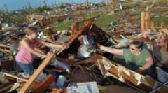 Lốc xoáy hoành hành ở Mỹ