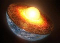 Lõi Trái đất tan chảy và đóng băng cùng lúc