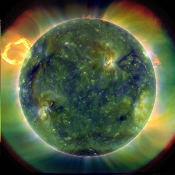 Hình ảnh mặt trời đa màu sắc bởi các tia cực tím có những bước sóng khác nhau. Ảnh được ghi lại vào ngày 30.03.2010.