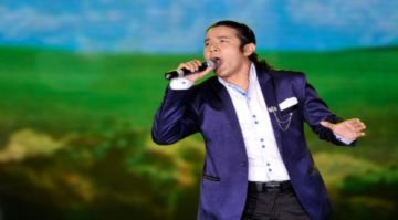 Ngọc Anh 3A hát bốc lửa bên Hồng Nhung, Mỹ Linh