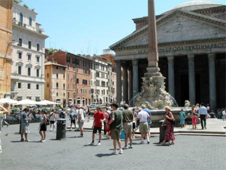 Người dân thành phố Roma. Ảnh: