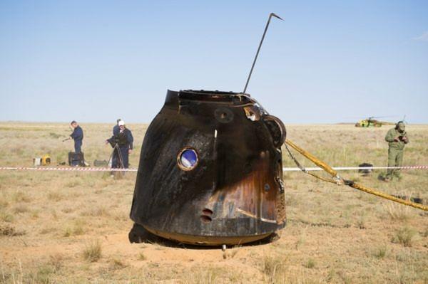 Tàu vũ trụ Soyuz TMA-20 của Nga đã hạ cánh an toàn tại một khu vực hẻo lánh của Kazakhstan vào ngày 24/5 vùa qua.  Trở về cùng tàu vũ trụ Soyuz TMA-20 là 3 nhà du hành vũ trụ Dmitry Kondratyev, Paolo Nespoli, và Cady Coleman sau khi họ làm việc hơn 5 tháng trêm Trạm không gian quốc tế (ISS).