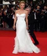 Những bộ váy đẹp và xấu nhất tại LHP Cannes 2011