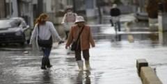 Sau động đất, thị trấn Nhật Bản chìm trong nước