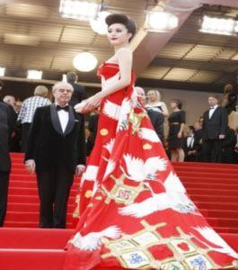 Thông điệp thời trang của Phạm Băng Băng tại LHP Cannes