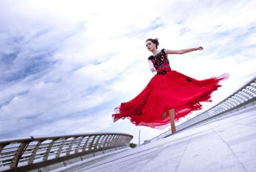 Festival Biển 2011 diễn ra từ ngày 11 đến 15/6 tại thành phố Nha Trang. Á hậu Thúy Vy Victoria từ Mỹ về nước để tham gia hoạt động này.