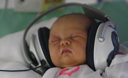 Trẻ sơ sinh cũng phải nghe nhạc cổ điển