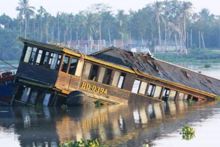 Vụ lật tàu Dìn Ký: Lái tàu chưa có bằng