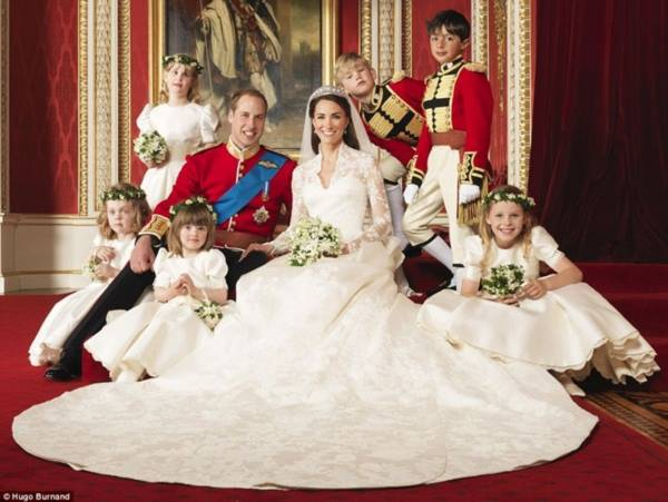 William và Kate lộ diện sau đám cưới cổ tích