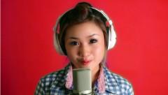 """Xôn xao clip teengirl hát """"Đường cong"""" cực dễ thương"""