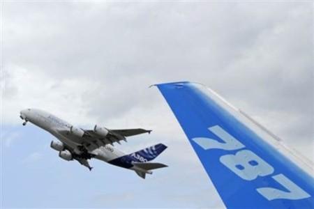Airbus tiếp tục vượt Boeing để duy trì vị trí số một trong ngành hàng không thế giới.
