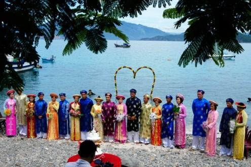 Đám cưới tập thể dưới lòng đại dương