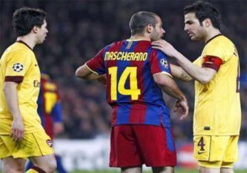 'Arsenal chấp nhận giảm giá bán Fabregas'