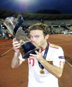 Arsenal săn sao trẻ vừa vô địch U21 châu Âu