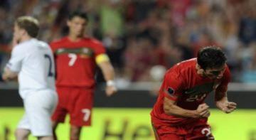 Bồ Đào Nha sống lại hy vọng vào thẳng Euro 2012