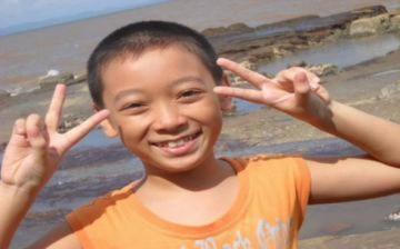 Cậu bé 12 tuổi gây sốt với 'My Heart Will Go On'
