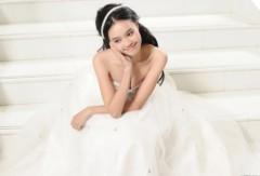 'Cô dâu' Lan Ngọc xinh tươi, trong trẻo