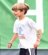 Con trai thứ hai giống Beckham như đúc