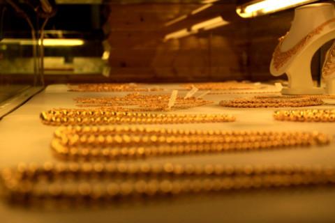 Vàng trong nước vẫn bám trụ mức cao trong khi vàng quốc tế đang trong nguy cơ giảm. Ảnh minh họa: Tuệ Minh