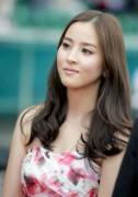 Han Hye Jin đẹp buồn trên sân cỏ