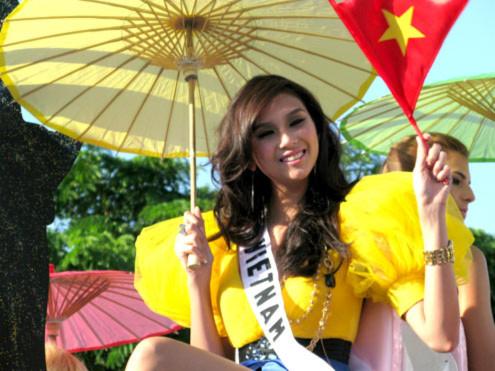 Hoàng Yến nổi bật tại Miss Universe 2009. Ảnh: Mu.
