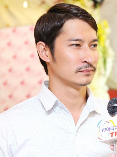 Huy Khánh là nam diễn viên dính với nhiều scandal tình ái với các người đẹp trong làng showbiz