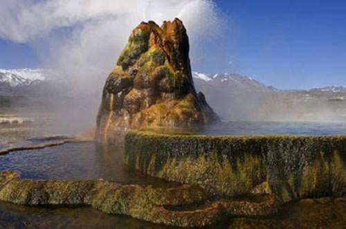 Giếng phun địa nhiệt Fly Geyser