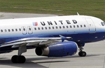 Máy bay hạ cánh khẩn cấp vì hành khách đánh nhau