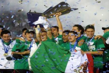 Mexico thắng ngược Mỹ để vô địch CONCACAF