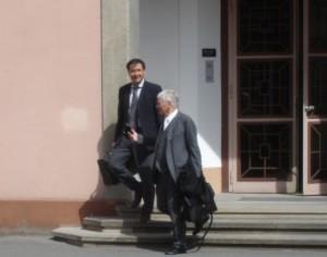 Một người bị kết tội làm gián điệp chống Pháp Luân Công ở Đức