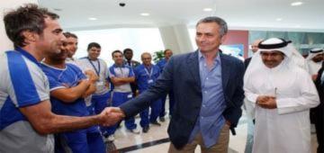 Mourinho từ chối đại gia dầu mỏ để ở lại Real