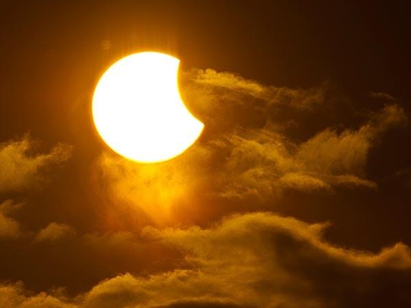 Hình ảnh nhật thực một phần được ghi lại trên bầu trời Tromsø (Na Uy) vào ngày 1/6 vừa qua.