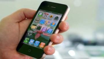 Nhà mạng chậm thủ tục, iPhone 4 xách tay 'lên đời'