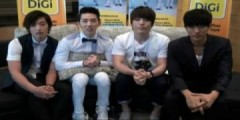 Nhóm nhạc Hàn 2AM gửi lời chào Việt Nam