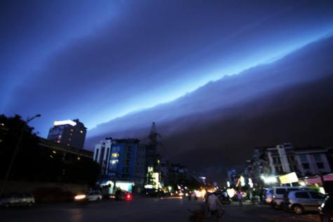 Những hình ảnh hiếm thấy trên bầu trời Hà Nội