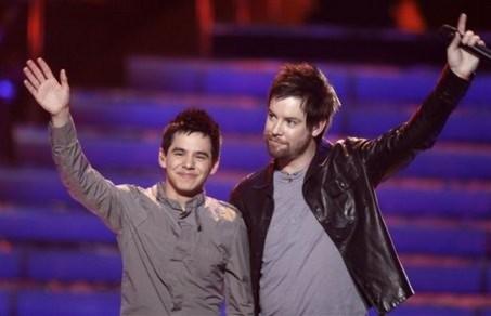 David Archuleta và David Cook tại American Idol năm 2008.