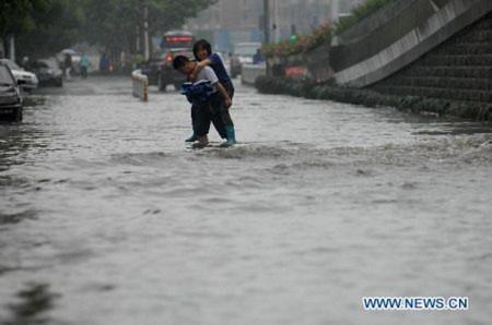 Trung Quốc: 16.000 người phải di dời do lũ lụt