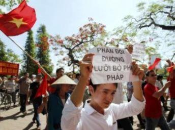 Trung Quốc phản pháo trong tranh chấp trên Biển Đông với Việt Nam