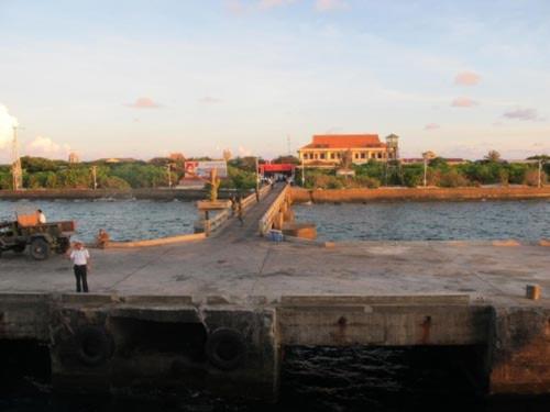 Bến Đảo, thị trấn Trường Sa. Ảnh: Dương Trung Quốc
