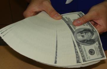 USD ngân hàng đắt lên, vàng bám trụ mốc cao