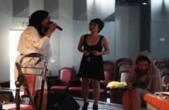 Uyên Linh tích cực luyện hát