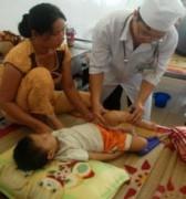 Virus tay chân miệng nguy hiểm lan tràn ở Quảng Ngãi