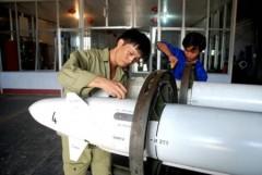 Xem không quân Việt Nam ném bom, bắn tên lửa trên biển
